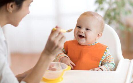 Bebê comendo papinha - Tira-dúvidas sobre papinhas Bebê Bem-Querer