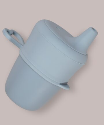 Copo de silicone com adaptador de chupeta